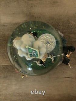 RARE! Mint! Disney Mary Poppins Lets Go Fly A Kite Musical Snowglobe