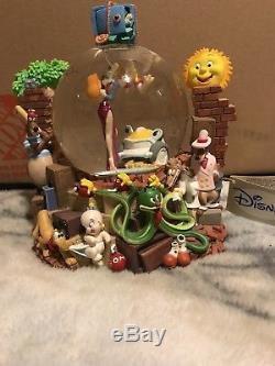 Rare Classic Disney Roger Rabbit Musical Snow Globe