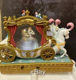 Rare Disney Cinderella Snow Globe Wedding Carriage In Box Musical and Blower