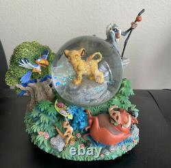 Rare Disney LION KING'I Cant Wait To Be King' Simba Musical SnowGlobe