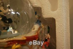 Rare Disney Mickey's 75th ANNIVERSARY STEAMBOAT RIDE Musical Lighted Snow Globe