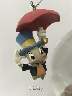 Rare Disney Pinocchio and Figaro Magic Musical Snow Globe Brahm's Waltz