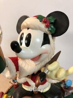 Rare Disney SANTA MICKEY MOUSE WORKSHOP Animated Musical Snow globe 12 figurine