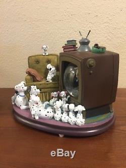 Very Rare OOP Disney 101 Dalmatians Watching TV Musical Snow Globe Lights Up