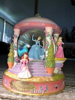 Vintage Rare Disney Princesses Musical Water Globe Music Box Beautiful Fun Dream
