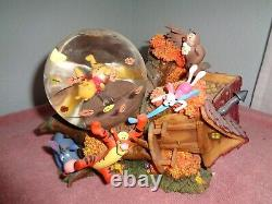 WDW Disney Winnie The Pooh Blustery Day Fallen Treehouse Snowglobe Musical