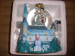 Walt Disney World Cinderella & Prince Charming Castle Light Musical Snow Globe