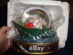 Walt Disney's The Rescuers Mice Snow Musical Water 7 x 7 x 6 Globe NEW in BOX